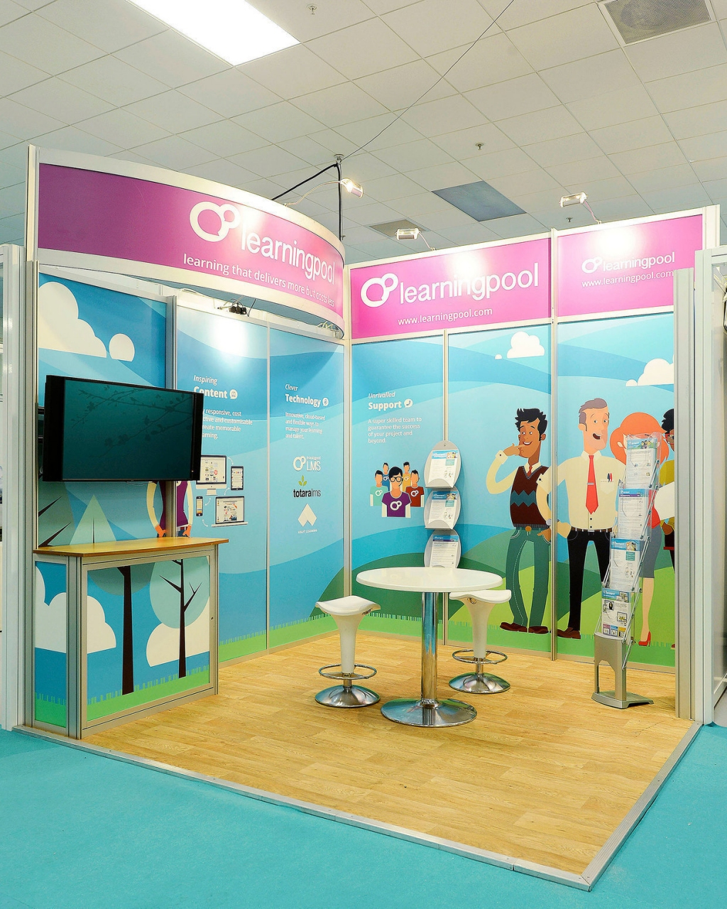 Exhibition Stand Builders Swindon : Fully adaptable modular exhibition stands swindon