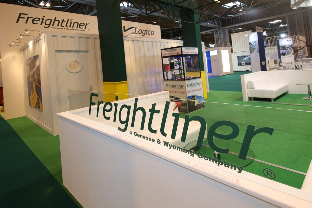 freightliner-stand-multimodel-exhibition